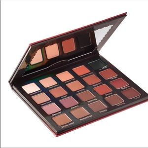 Violet Voss Pro Matte About You Eyeshadow Palette
